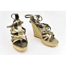 Burberry: Pewter Leather & Buckle Wedge Sandals Sz: 7.5m