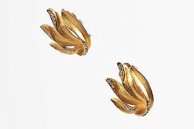 Vintage Oscar De La Renta  Gold tone Clip on Earrings.