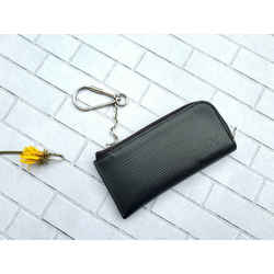 Authentic Louis Vuitton 2017 Black Epi Leather Key Holder Pouch