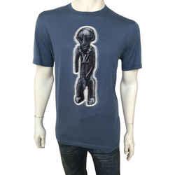 Chapman Zulu Statue T-Shirt