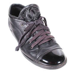 Chanel - Cc Low Top Sneakers - Black Leather Cap Toe - Womens Us 8.5 -  39