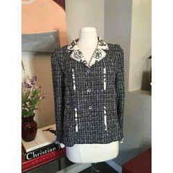 Chanel Size 38 Black & White Tweed Jacket - 369-124-8890
