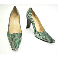 Chanel: Emerald Green, Python & Logo Heels/pumps Sz: 9m