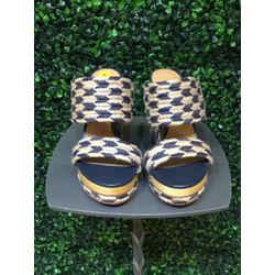 Tory Burch Size 7 Navy & Beige Sandals