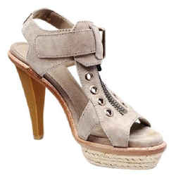Burberry Desert Chunky Platforms Sandals Tan Size 8.5 Authenticity Guaranteed