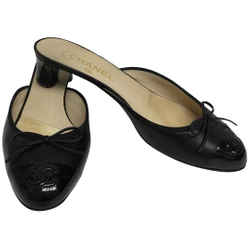 Chanel Black Slip On with Stitched Cc Mules/Slides Size: EU 39.5 (Approx. US 9.5) Regular (M, B) Item #: 24468176