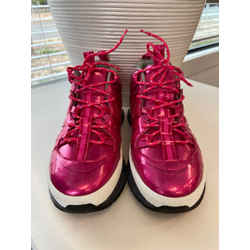 Burberry Size 40 Athletic Footwear