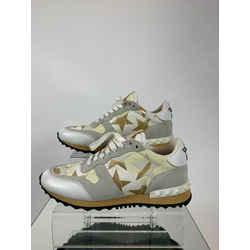 Valentino Size 37 Sneaker