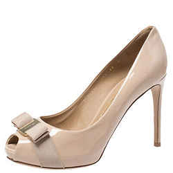 Salvatore Ferragamo Beige Patent Leather Pola Vara Bow Peep Toe Pumps Size 40.5