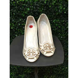Tory Burch Size 6.5 Beige & white Wedges