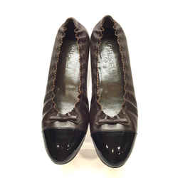CHANEL Brown Leather Black Patent Cap Toe Scalloped Edge Logo Bow Ballet Flats