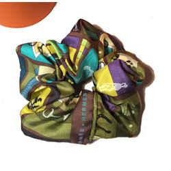 Hermes Handmade En Voyage Silk Scarf Scrunchie in Green
