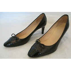 Chanel Black Leather Classic Pumps With Patent Leather Cap Toe And Bow - 38.5