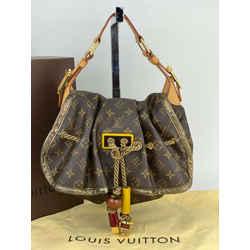LOUIS VUITTON Kalahari PM Monogram Shoulder Bag Limited Edition M97016 AUTH A564