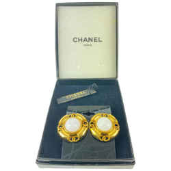 Chanel 93a Gold Tone Pearl CC Earrings 3ccm1210