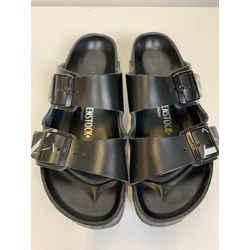 Valentino Size 39 Sandals