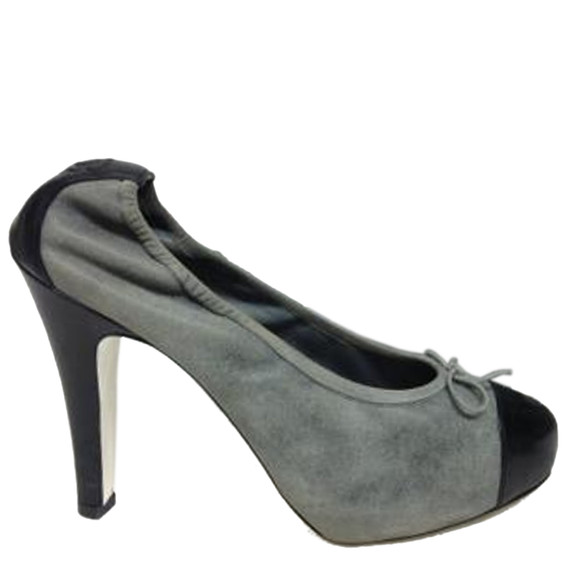 Chanel Grey Distressed Leather With Black Toe Cap Pumps Size: Eu 41 (approx. Us 11) Regular (m, B) Item #: 21117765