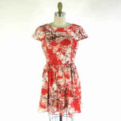 M - Parker Red Floral Open Back Cap Sleeve Quilted Fit & Flare Dress 0000MB