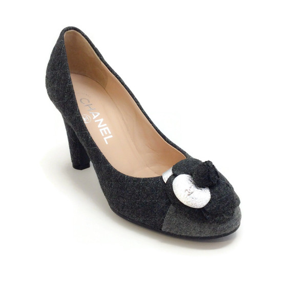 Chanel Charcoal Grey Quilted Flannel Camelia Pumps