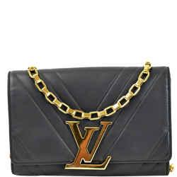 LOUIS VUITTON Airy V Louise GM Calfskin Pochette Chain Shoulder Bag Black
