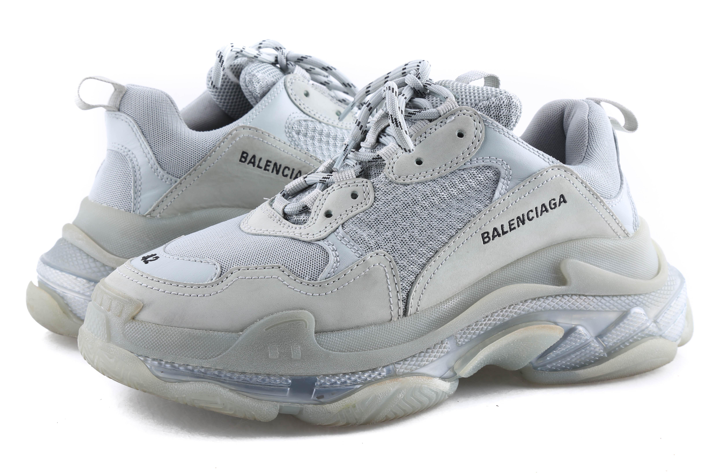 Giay Balenciaga Triple S xam dtach Fullbox co sẵn