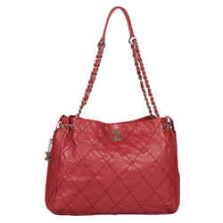Chanel Stitched Lambskin Expandable Tote in Red