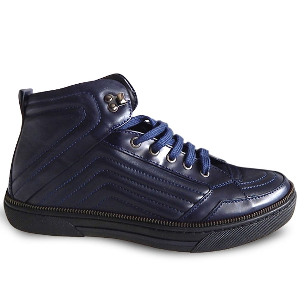 New $600 Versace Quilted Leather Zip