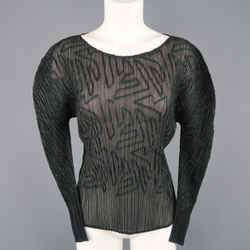 Issey Miyake Size M Black Pleated Green Ribbon Pattern Mesh Pullover