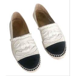 Chanel Cream Beige Black Cap Toe Espadrille size 39 6Cc71