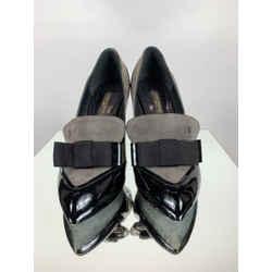 Louis Vuitton Size 35.5 Pumps