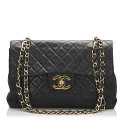 Vintage Authentic Chanel Black Maxi Classic Lambskin Single Flap Bag Italy