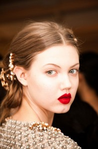 5(0) Shades of Red: Hollywood Glamour Meets Your Everyday Look