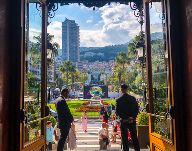 Top 5 Luxe Fashion Trends in Monaco