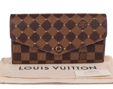 From Fendi, To Lv And Gucci, Let's Shop Wallets!