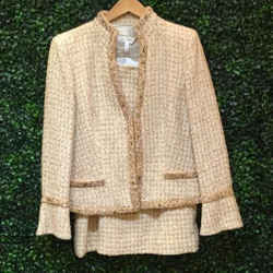 ESCADA CHAMPAGNE JACKET AND SKIRT   40/10