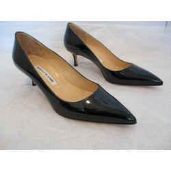 Manolo Blahnik Black Patent Leather 2 1/4 Inch Pumps - Size 38 1/2