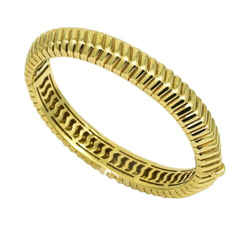 Tiffany & Co. Cordis Chevron Groove Bangle Bracelet in 18k Yellow Gold