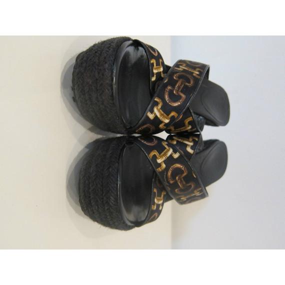 Gucci Signature Print Wedge Sandals Size 6.5 (Item no. 121256)