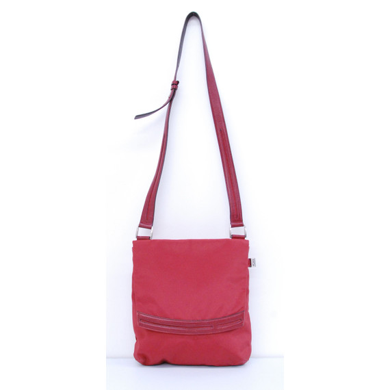 Authentic Tumi Red nylon with Leather Trim Shoulder Handbag Travel Bag