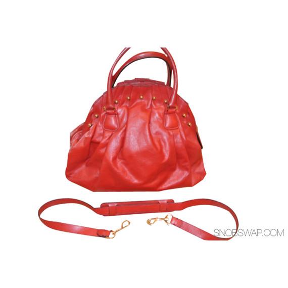 Stunning Rouge Valentino Garavani Red Leather Kiss Clasp Ruffle Handbag