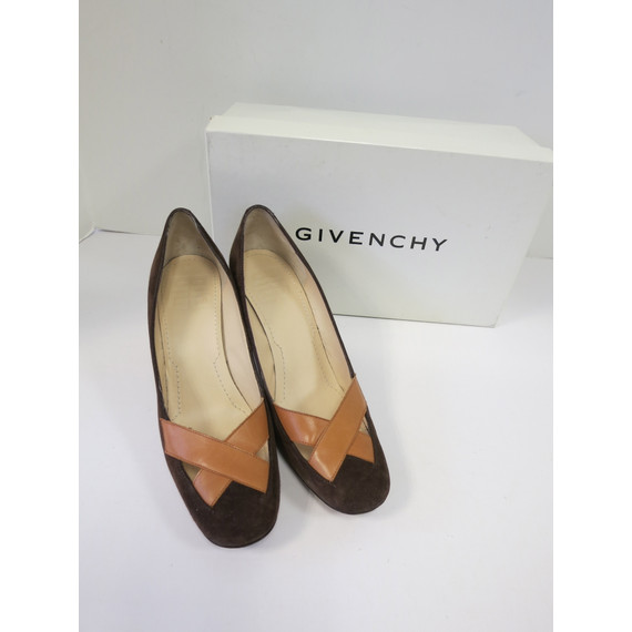 Givenchy Brown Tan Suede Pumps