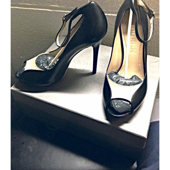 Alexander Mcqueen Pumps peep toe Heels two toned Black ankle strap size 37