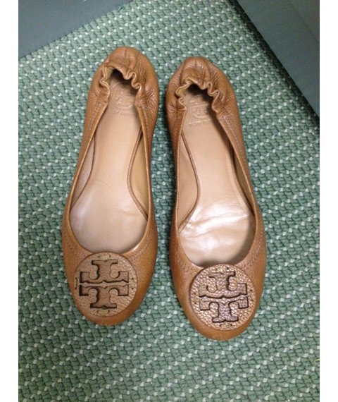Tory Burch Reva Logo Ballet Flats - ROYAL TAN