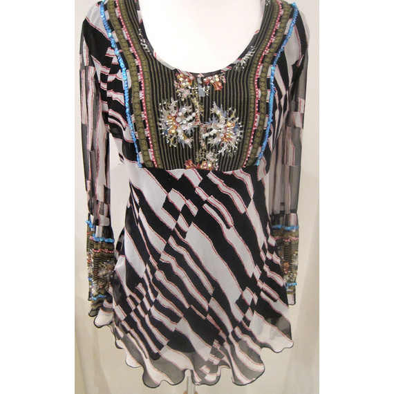 Diane von Furstenberg Beaded Abstract Print Long Sleeve Top Size 2 From Lynda's Closet - The Real Housewives of DC
