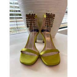 Stuart Weitzman Size 7.5 Sandals