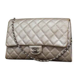 Chanel Quilted Classic Flap Jumbo Chain Clutch 231197