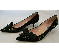 Moschino Black Suede Kitten Heel Pumps W/ Studs & Black Bow At Front - Size 6.5