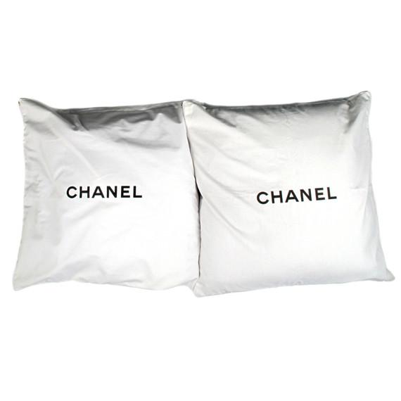 CHANEL - PILLOW CASES - SET OF 2 - WHITE & BLACK LOGO - BLANKET THROW